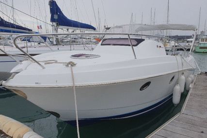 Beneteau Flyer 850 Sundeck for sale in France for €59,000 (£50,626)