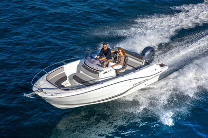 Jeanneau CAP CAMARAT 6.5 CC SERIE 3 for sale in France for €55,900 (£51,051)