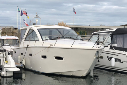 Sealine SC35 for sale in France for €145,000 (£125,235)