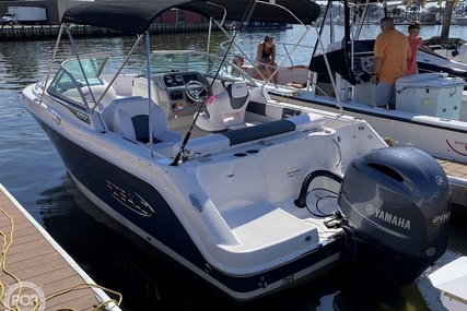 Robalo 227DC for sale in United States of America for $73,400 (£56,911)
