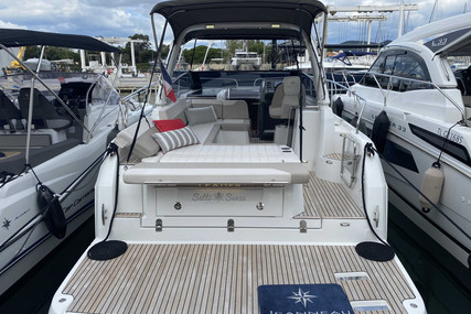 Jeanneau Leader 30 for sale in France for €139,000 (£120,165)