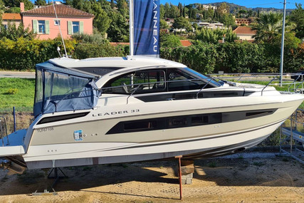 Jeanneau Leader 33 for sale in France for €208,000 (£180,322)