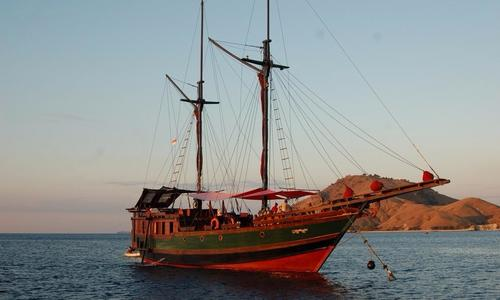Image of Phinisi Schooner for sale in Indonesia for €450,000 (£384,323) Indonesia