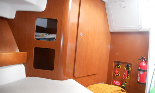 Image of Beneteau Antares 8S for sale in France for €56,000 (£49,904) SAINT VAAST LA HOUGUE, , France