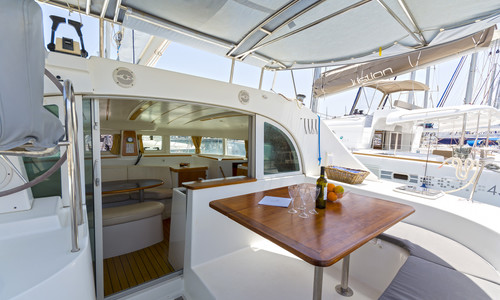 Image of Lagoon 380 for sale in Greece for €120,000 (£104,032) Kos, , Greece