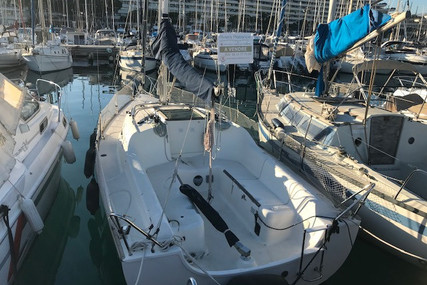 Jeanneau Sun 2500 for sale in France for €20,500 (£18,156)