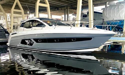 Image of Azimut Yachts Atlantis 43 for sale in United States of America for $575,000 (£407,770) Miami Beach, FL, United States of America