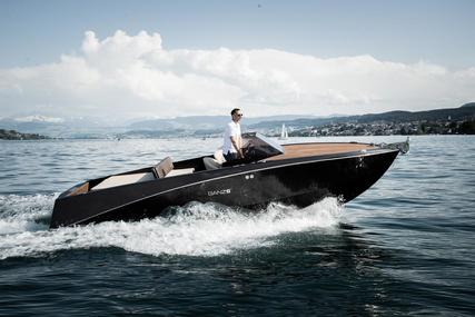 Ganz Boats Ovation 6.8 for sale in Hong Kong for $75,000 (£54,405)