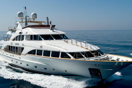 Benetti 120 for sale in Italy for €6,500,000 (£5,763,791)