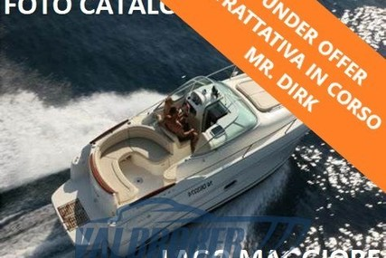 Jeanneau Leader 805 for sale in Italy for €38,000 (£34,150)