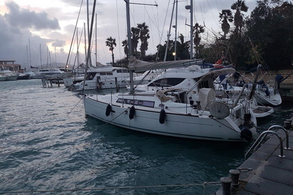 Beneteau Oceanis 34 for sale in Italy for €70,000 (£62,627)