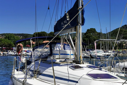 Bavaria Yachts 36 for sale in France for €50,000 (£44,435)