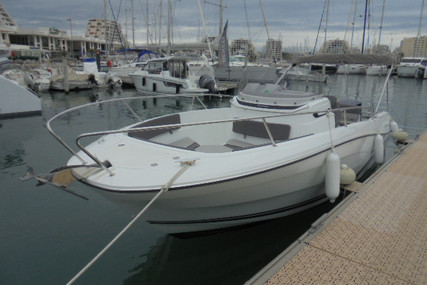 Jeanneau Cap Camarat 7.5 Cc for sale in France for €54,900 (£48,790)