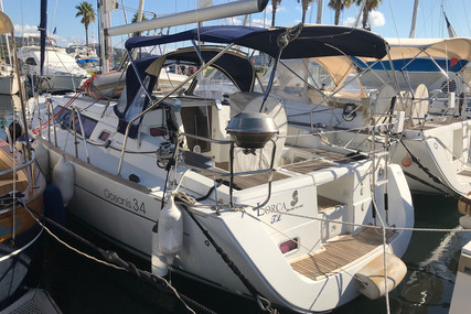 Beneteau Oceanis 34 for sale in France for €75,000 (£66,738)