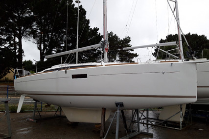 Jeanneau Sun Odyssey 349 for sale in France for €156,000 (£138,732)