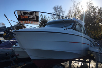 Beneteau Antares 8 OB for sale in France for €52,900 (£47,142)