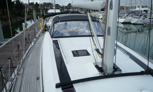 Image of Beneteau Oceanis 55.1 for sale in France for €580,000 (£513,361) FOUESNANT, , France