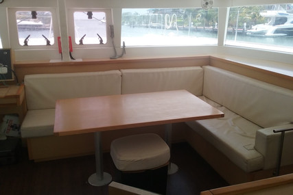 Lagoon 450 for sale in Belize for €330,000 (£296,699)
