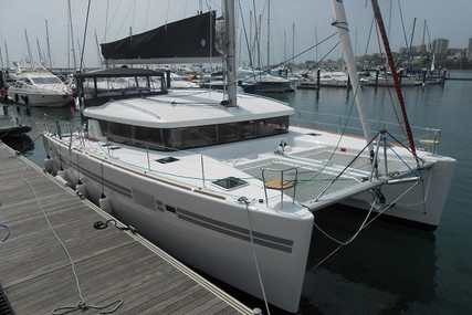 Lagoon 450 S for sale in Portugal for €430,000 (£382,144)