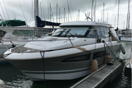 Jeanneau NC 9 for sale in France for €115,000 (£102,475)