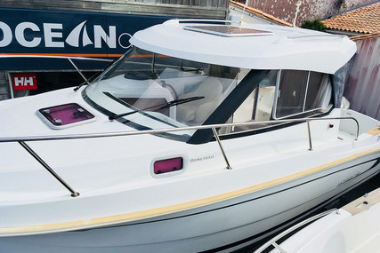 Beneteau Antares 7.80 for sale in France for €32,500 (£28,883)