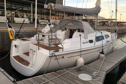 Hanse 325 for charter in Estonia from €1,600 / week