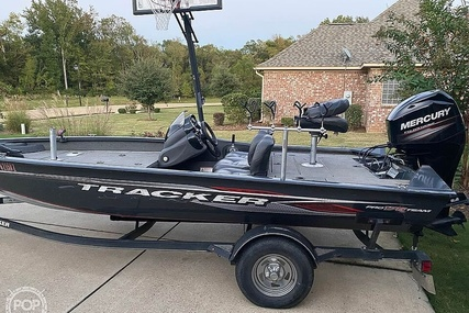 Tracker 18 for sale in United States of America for $21,250 (£15,949)