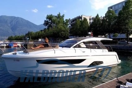 Sealine S330 for sale in Switzerland for €249,000 (£223,529)