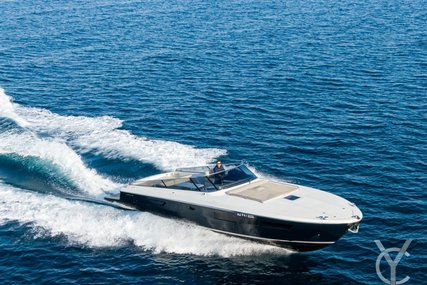 Itama 45 for sale in France for €395,000 (£341,601)