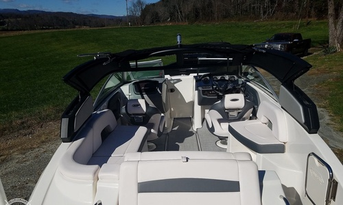 Image of Chaparral Sunesta 244 for sale in United States of America for $79,900 (£58,400) Galax, Virginia, United States of America