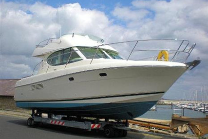 Prestige 32 for sale in Ireland for €85,500 (£73,915)