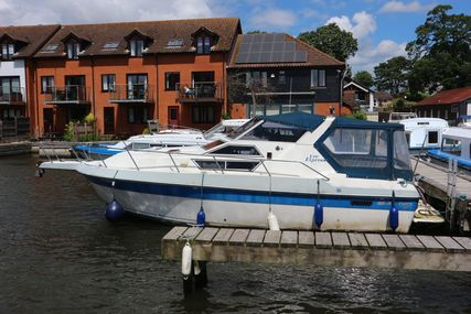 Cruisers Yachts Vee Express for sale in United Kingdom for £10,950