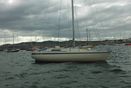 Beneteau First 30 for sale in Ireland for €11,000 (£9,536)