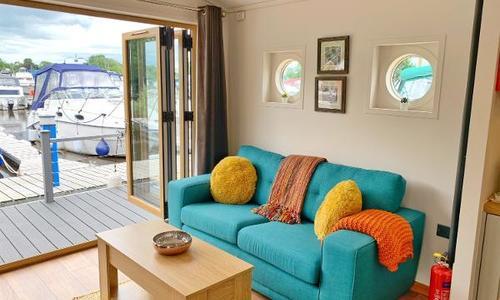 Image of Custom 1 Bedroom Floating Lodge for sale in United Kingdom for £149,000 Naburn, United Kingdom
