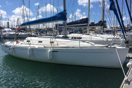 Beneteau First 31.7 for sale in France for €40,000 (£35,963)