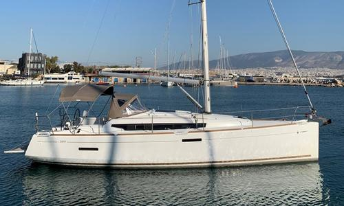 Image of Jeanneau Sun Odyssey 389 for sale in Greece for €110,000 (£95,302) Athens (, Greece