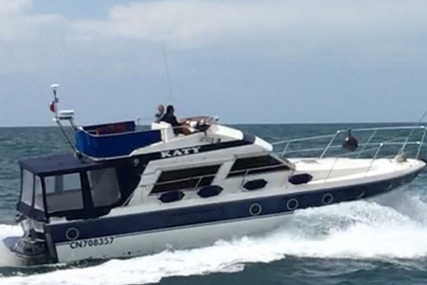 Fairline 40 Flybridge for sale in France for €50,000 (£44,935)