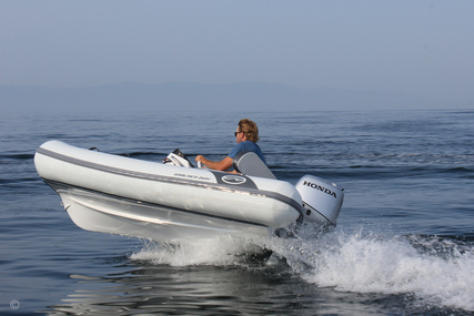 Walker Bay Generation 10 LTE with 3 Seat Console for sale in United Kingdom for £23,790