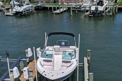 Robalo R227 for sale in United States of America for $64,500 (£47,657)