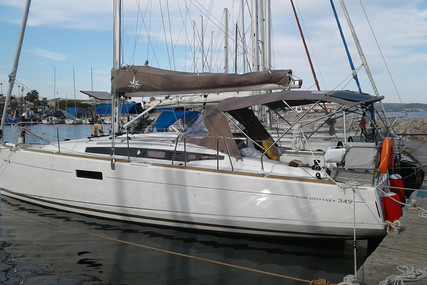 Jeanneau Sun Odyssey 349 for sale in France for €139,000 (£120,209)