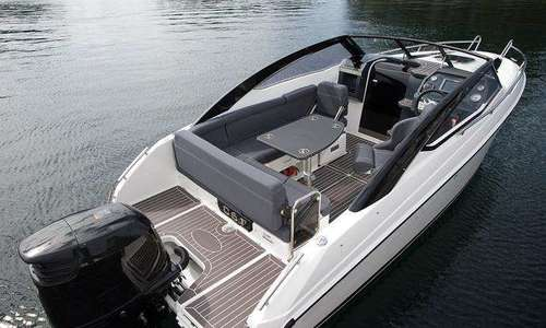 Image of Parker 630 Day Cruiser for sale in United Kingdom for £53,131 Boats.co., United Kingdom