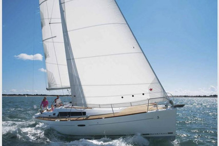 Beneteau Oceanis 37 for sale in Spain for €94,000 (£83,646)