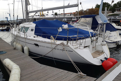 Jeanneau Sun Odyssey 40 DS for sale in Portugal for €80,000 (£71,188)