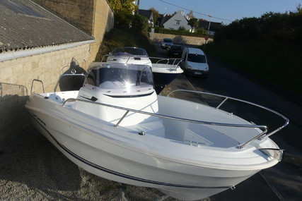 Jeanneau Cap Camarat 5.5 CC serie 2 for sale in France for €31,000 (£26,809)
