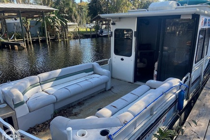 Sun Tracker 32 Party Cruiser for sale in United States of America for $27,700 (£19,822)