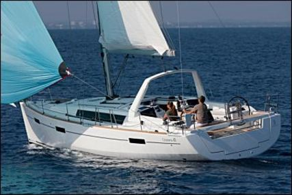 Beneteau Oceanis 41 for charter in Italy (West Coast) from €1,520 / week