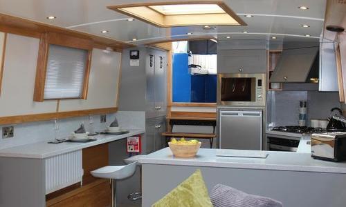 Image of Colecraft 66 x10 04 2 Bedroom for sale in United Kingdom for £169,500 Walton-on-Thames, United Kingdom