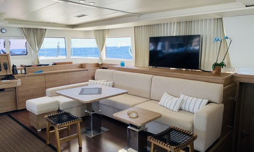 Image of CNB Lagoon 620 for sale in Greece for €1,200,000 (£1,042,635) Greece