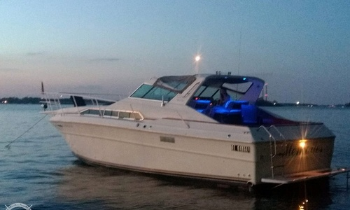Image of Sea Ray SRV 360 Express for sale in United States of America for $40,000 (£29,055) Ecorse, Michigan, United States of America
