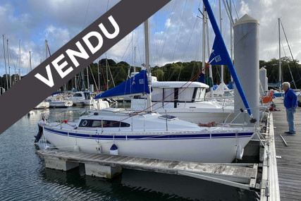 Dufour Yachts GIB SEA 77 for sale in France for €10,500 (£9,299)